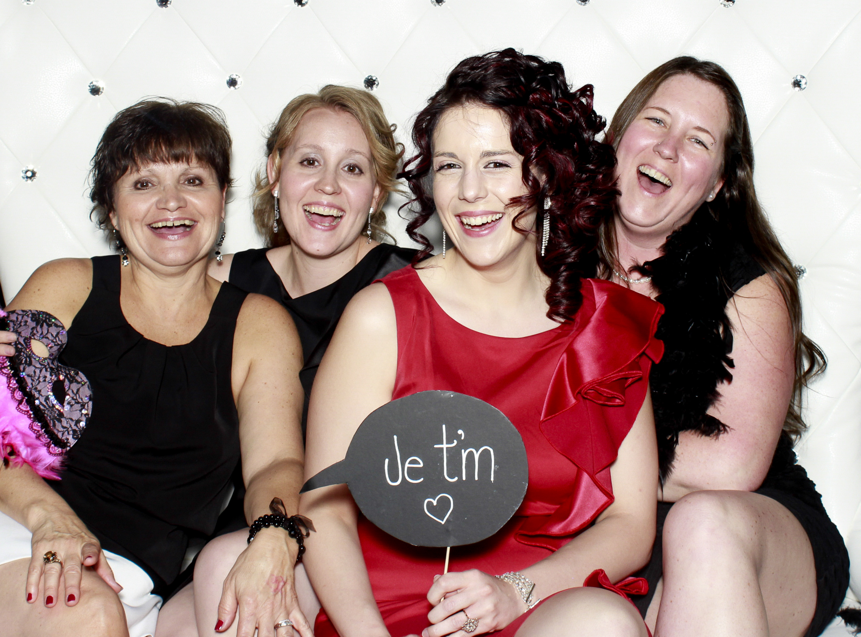 Robe Rouge - 2014 - www.photoboothparty.ca